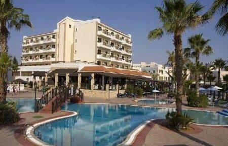Invia – Anastasia Beach Hotel, Larnaca