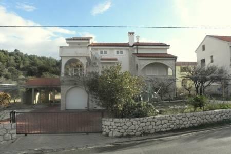 Invia – Apartmány 1321-309, Rab