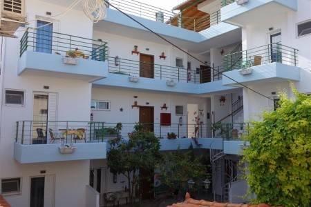 Invia – Apartmány Bellos, Peloponéz