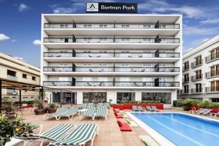 Invia – Aqua Hotel Bertran Park,