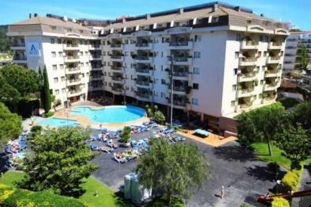 Invia – Aqua Hotel Montagut,