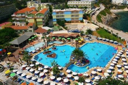 Invia – Aquapark Eri Beach & Village Hotel,