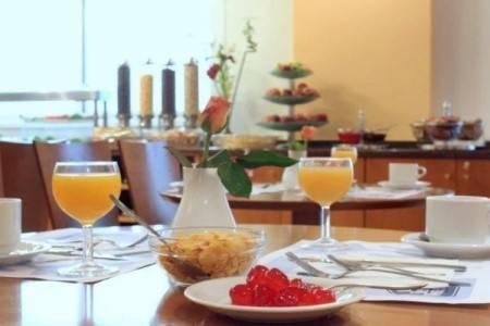 Invia – Best Western Museum Hotel, Atény