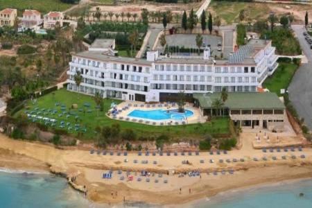 Invia – Corallia Beach Hotel, Paphos (Pafos)
