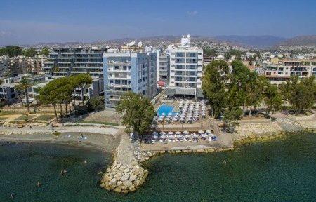 Invia – Harmony Bay Hotel, Paphos (Pafos)