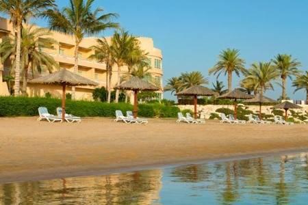 Invia – Hilton Al Hamra Beach & Golf Resort,