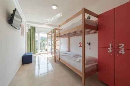 Invia – Hostel 88,