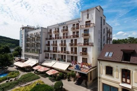 Invia – Hotel Jalta, Piešťany