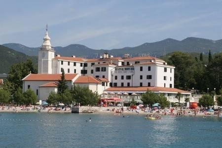 Invia – Hotel Kaštel, Crikvenica