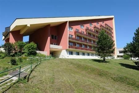 Invia – Hotel Hotel Máj, Liptovský Ján,