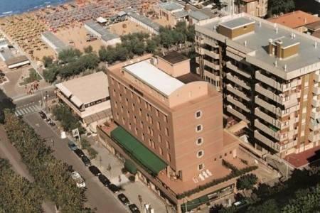 Invia – Hotel Rossini, Marche