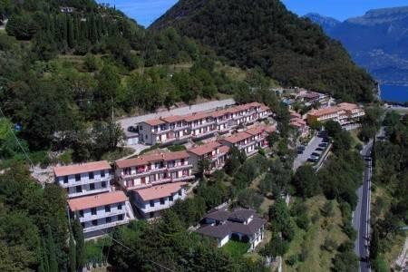 Invia – Hotel Rotonda V Gardola Di T. – Lago Di Garda, Lombardia