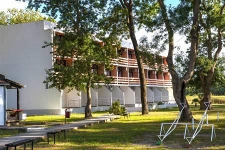 Invia – Hotel Velká Pláž Ulcinj Club – Dotované Pobyty 50+, Ulcinj