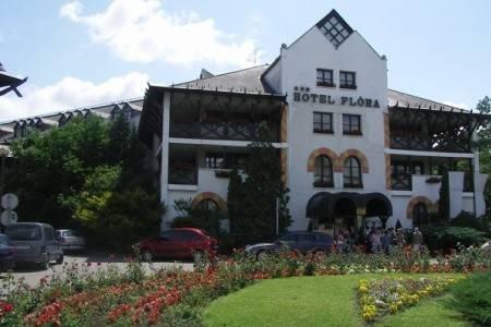 Invia – Hunguest Hotel Flóra, Termálne Kúpele