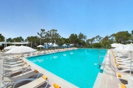 Invia – Iberostar Club Cala Barca Hotel,