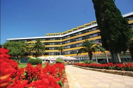 Invia – Ilirija Hotel Resort Biograd, Biograd Na Moru