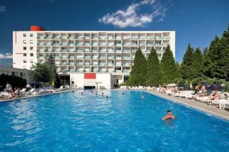 Invia – Lázeňský Hotel Rubín, Dudince