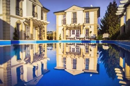 Invia – Luxury Villas, Západ od Dunaja