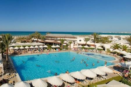 Invia – Meninx Resort & Aquapark,