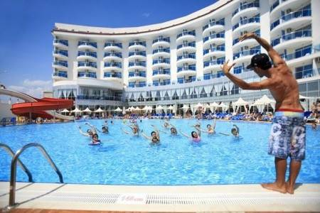 Invia – Narcia Resort Side,