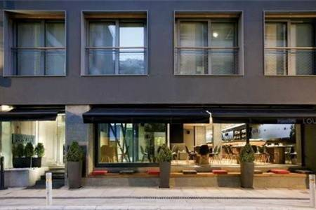 Invia – Periscope Hotel, Atény