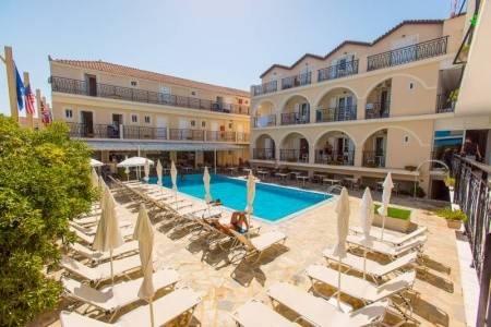 Invia – Plaza Bay Hotel,