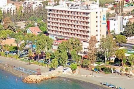 Invia – Poseidonia Beach Hotel, Paphos (Pafos)