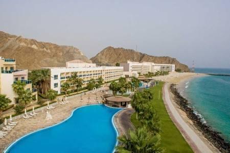 Invia – Radisson Blu Fujairah Resort, Fujairah