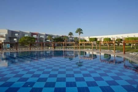 Invia – Sunrise Select Crystal Bay Resort,