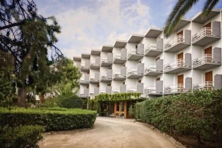 Invia – The Grove Seaside Hotel, Peloponéz