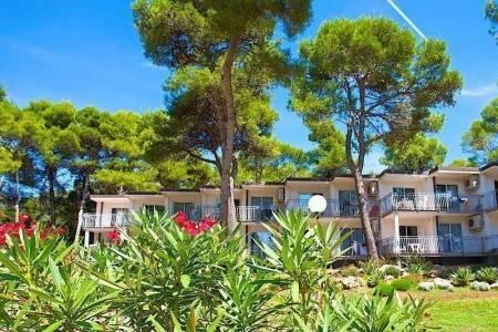 Invia – Verudela Beach-Villa Resort,
