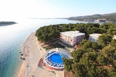 Invia – Hotel Adriatiq Zora, Primošten