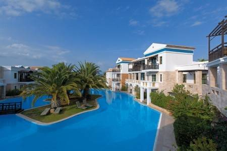 Invia – Royal Mare Luxury & Thalasso,