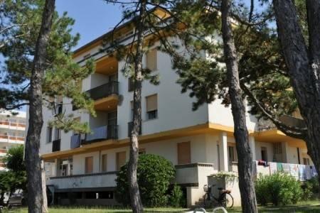 Invia – Apartmány Villa Mecchia,