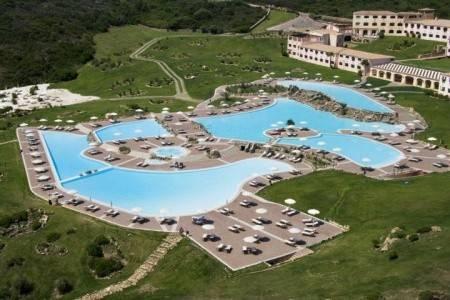 Invia – Colonna Resort,