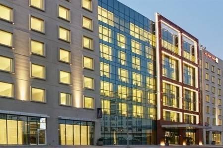 Invia – Hilton Garden Inn Dubai Mall Of The Emirates,