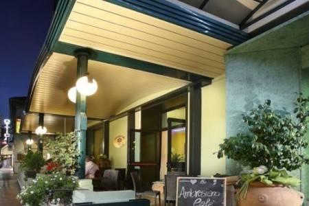 Invia – Hotel Ambrosiano,