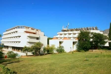Invia – Hotel Depandance Laguna A, Gradac, Gradac