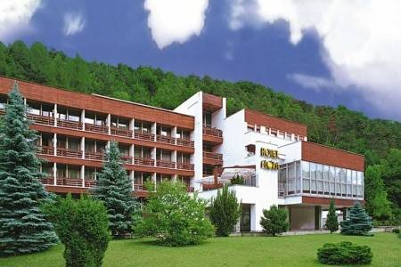 Invia – Hotel Flóra, Trenčianske Teplice