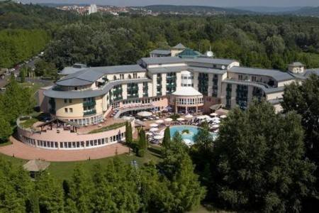 Invia – Hotel Lotus Therme Hotel & Spa,