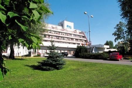 Invia – Hotel Máj Piešťany, Piešťany