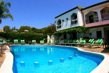 Invia – Hotel Marinella, Kalábria