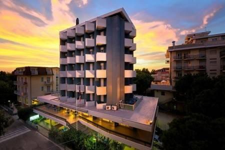 Invia – Hotel Raffaello,