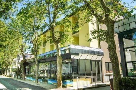 Invia – Hotel Santa Martina*** – Cesenatico, Emilia Romagna