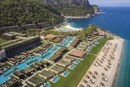 Invia – Maxx Royal Kemer Resort ***** De Luxe,