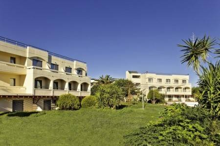 Invia – Mistral Hotel,