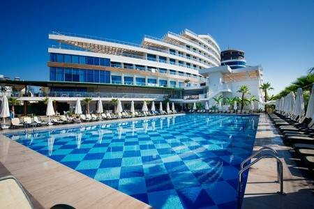 Invia – Raymar Hotels & Resorts,