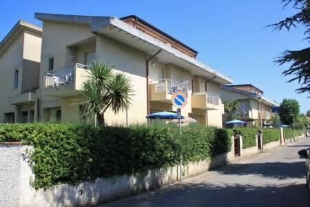 Invia – Residence Pinetina, Abruzzo