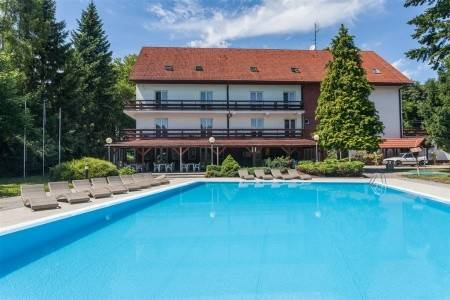 Invia – Rezort Hotel Pod Lipou – Modra-Harmónia, Západné Slovensko