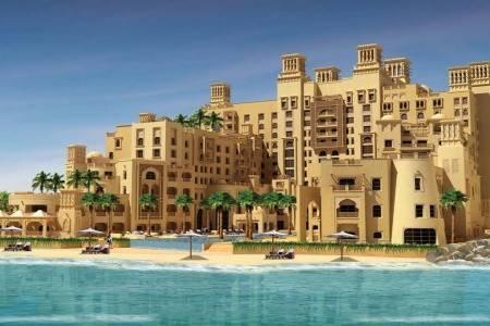 Invia – Sheraton Sharjah Beach Resort & Spa, Sharjah